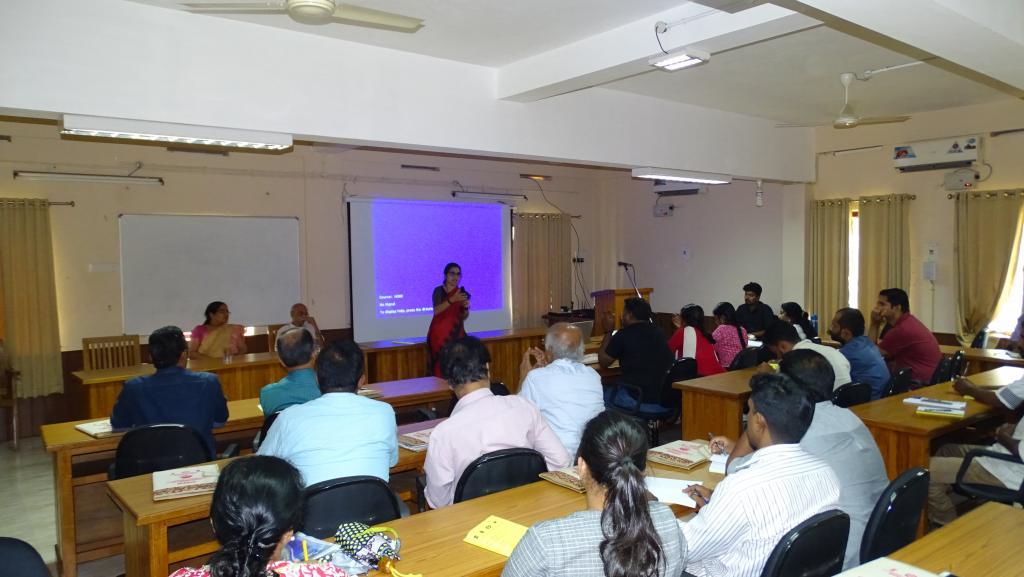 Dr Binoo P Bonny, Professor and Head Department of Extension handling session